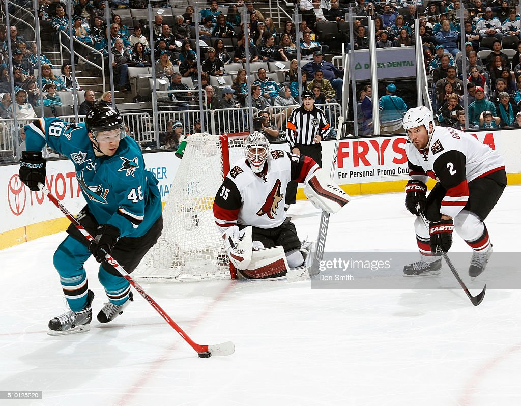 Tomas Hertl #48 of the San Jose Sharks takes the puck behind the net against the Arizona Coyotes during a NHL game at the SAP Center at San Jose on February 13, 2016 in San Jose, California.