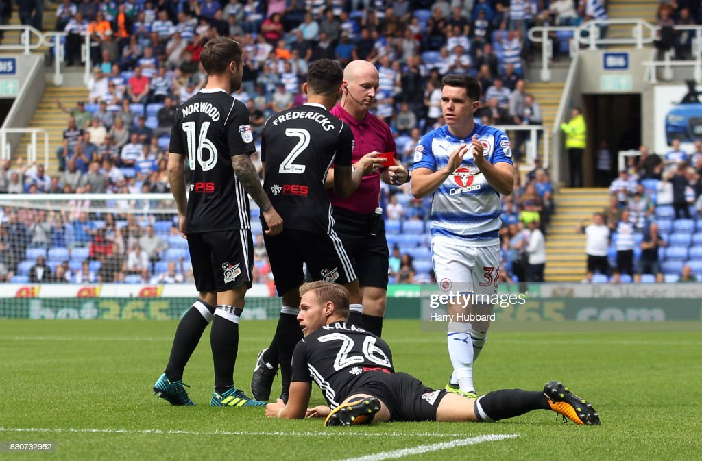 Tomas Kalas of Fulham is sent off during the Sky Bet Championship match between Reading and Fulham at Madejski Stadium on August 12, 2017 in Reading, England.
