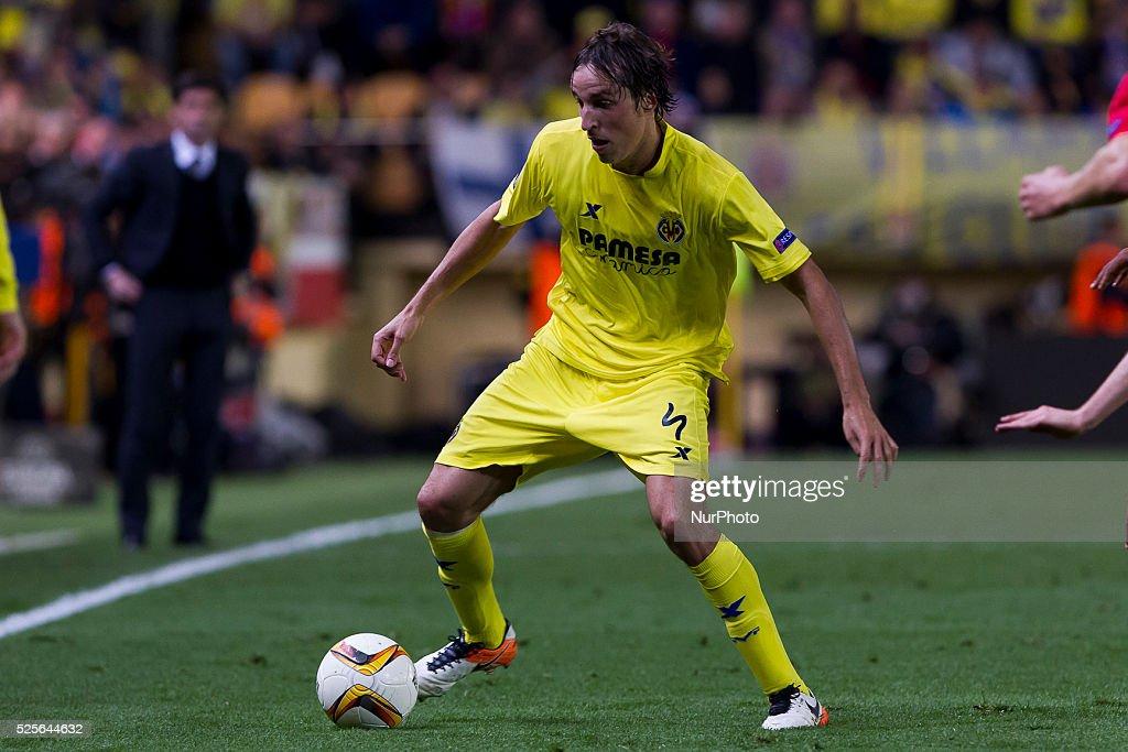 04 Tomas Pina of Villarreal CF during UEFA Europa League semi-final first leg match between Villarreal CF and Liverpool FC at El Madrigal Stadium in Villarreal on April 28, 2016.