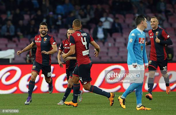 Tomas Rincon of Genoa celebrates after scoring the opening goal during the Serie A match between SSC Napoli and Genoa CFC at Stadio San Paolo on...