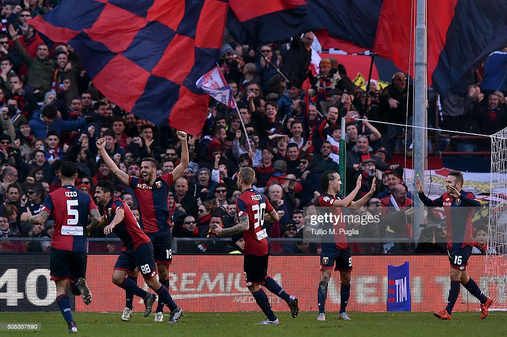 <a gi-track='captionPersonalityLinkClicked' href=/galleries/search?phrase=Tomas+Rincon&family=editorial&specificpeople=1009045 ng-click='$event.stopPropagation()'>Tomas Rincon</a> of Genoa celebrates after scoring this team's third goal during the Serie A match between Genoa CFC and US Citta di Palermo at Stadio Luigi Ferraris on January 17, 2016 in Genoa, Italy.