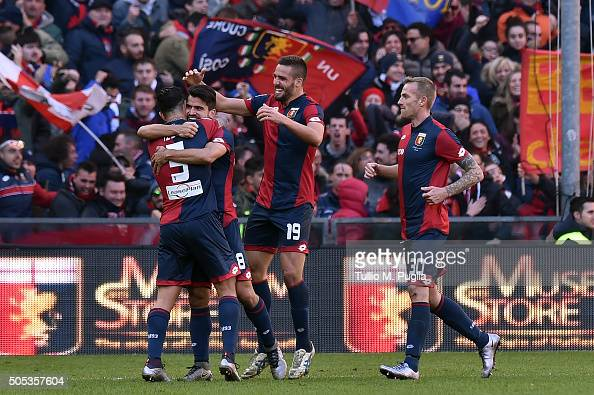 Tomas Rincon of Genoa celebrates after scoring this team's third goal during the Serie A match between Genoa CFC and US Citta di Palermo at Stadio...