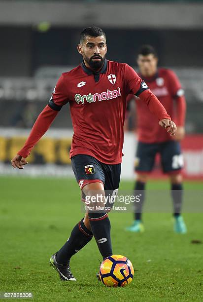 Tomas Rincon of Genoa CFC in action during the Serie A match between AC ChievoVerona and Genoa CFC at Stadio Marc'Antonio Bentegodi on December 5...