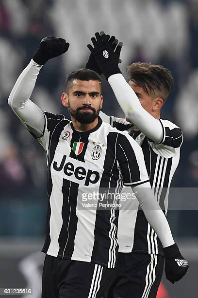 Tomas Rincon of Juventus FC celebrates victory at the end of the Serie A match between Juventus FC and Bologna FC at Juventus Stadium on January 8...