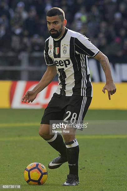 Tomas Rincon of Juventus Fc in actio during the Serie A match between Juventus FC and SS Lazio at Juventus Stadium on January 22 2017 in Turin Italy