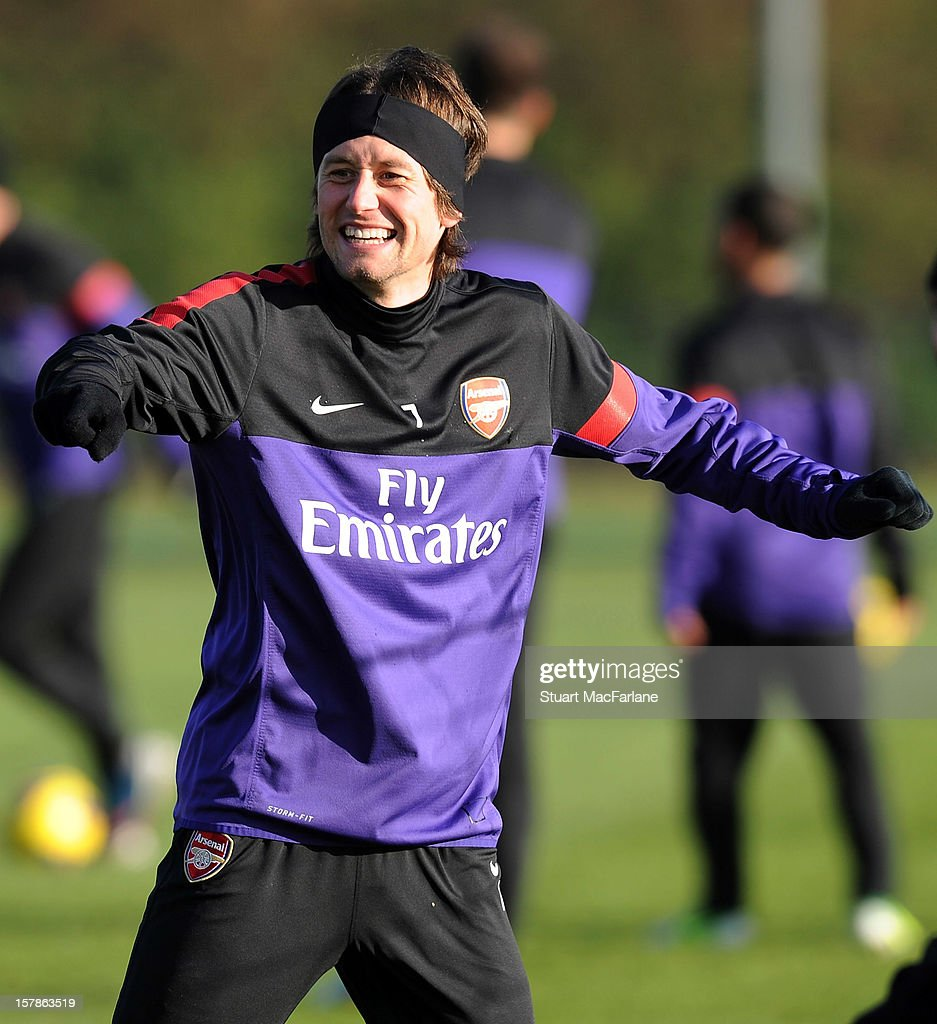 <a gi-track='captionPersonalityLinkClicked' href=/galleries/search?phrase=Tomas+Rosicky&family=editorial&specificpeople=213988 ng-click='$event.stopPropagation()'>Tomas Rosicky</a> of Arsenal during a training session at London Colney on December 07, 2012 in St Albans, England.