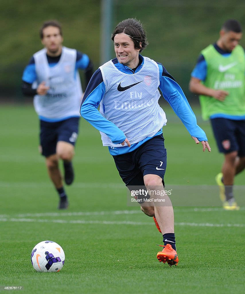 <a gi-track='captionPersonalityLinkClicked' href=/galleries/search?phrase=Tomas+Rosicky&family=editorial&specificpeople=213988 ng-click='$event.stopPropagation()'>Tomas Rosicky</a> of Arsenal during a training session at London Colney on April 5, 2014 in St Albans, England.