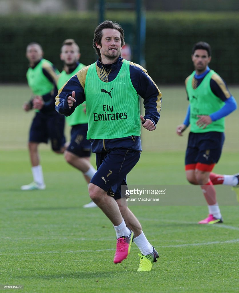<a gi-track='captionPersonalityLinkClicked' href=/galleries/search?phrase=Tomas+Rosicky&family=editorial&specificpeople=213988 ng-click='$event.stopPropagation()'>Tomas Rosicky</a> of Arsenal during a training session at London Colney on April 29, 2016 in St Albans, England.