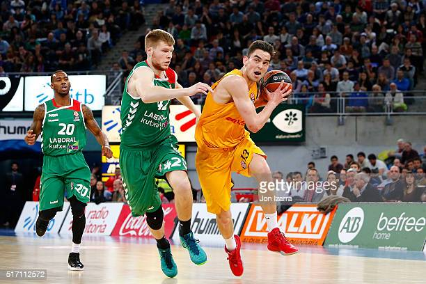 Tomas Satoransky #13 of FC Barcelona Lassa in action during the 20152016 Turkish Airlines Euroleague Basketball Top 16 Round 12 game between Laboral...