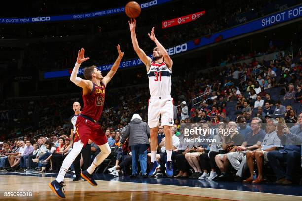 Tomas Satoransky of the Washington Wizards shoots the ball during the preseason game against the Cleveland Cavaliers on October 8 2017 at Capital One...