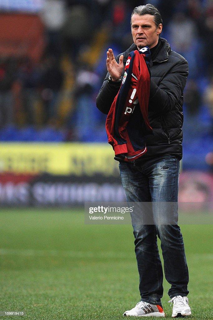 Tomas Skuhravy salutes fans of Genoa CFC prior to the Serie A match between Genoa CFC and Calcio Catania at Stadio Luigi Ferraris on January 20, 2013 in Genoa, Italy.