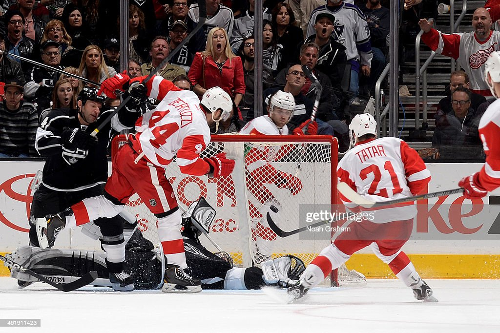 <a gi-track='captionPersonalityLinkClicked' href=/galleries/search?phrase=Tomas+Tatar&family=editorial&specificpeople=5652303 ng-click='$event.stopPropagation()'>Tomas Tatar</a> #21 of the Detroit Red Wings scores a goal against the Los Angeles Kings at Staples Center on January 11, 2014 in Los Angeles, California.