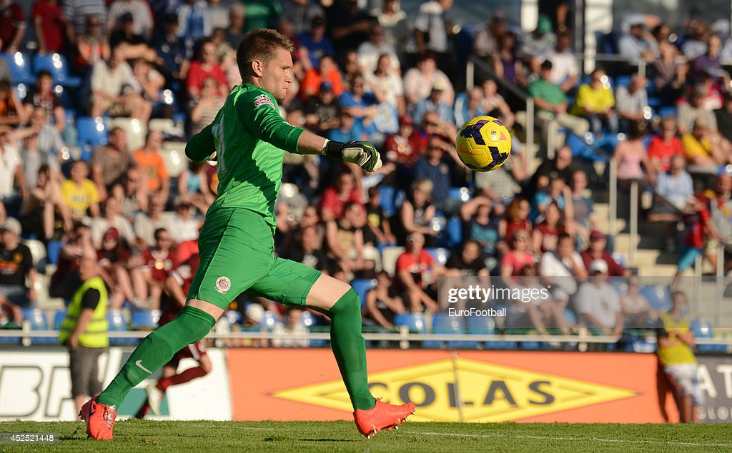 <a gi-track='captionPersonalityLinkClicked' href=/galleries/search?phrase=Tomas+Vaclik&family=editorial&specificpeople=5437912 ng-click='$event.stopPropagation()'>Tomas Vaclik</a> of AC Sparta Prague in action during the Gambrinus Liga match between FK Mlada Boleslav and AC Sparta Prague at the Mestsky Stadion on May 25 , 2014 in Mlada Boleslav,Czech Republic.