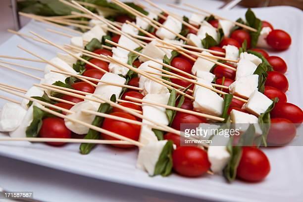 トマトのバジル風味とチーズスティック
