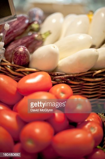 Tomatoes and white and purple eggplants : ストックフォト