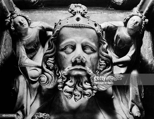 Tomb of Edward II Gloucester Cathedral Gloucestershire 1945 The head of King Edward II supported by two female figures carved in alabaster from his...