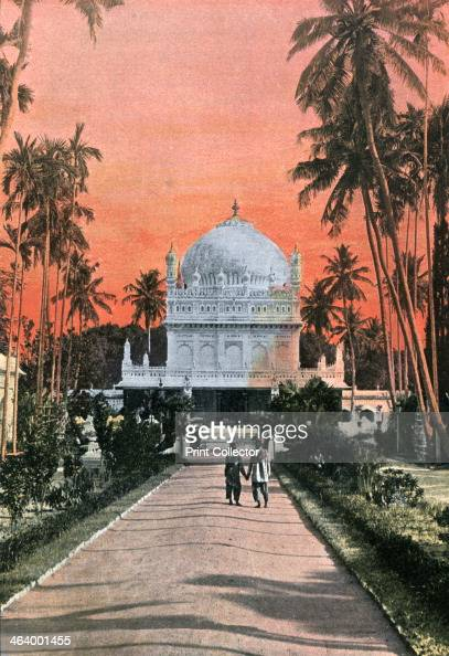 Tomb of Tippu Sultan and Haidar Ali Mysore India 18801890 Illustration from Inde Anglaise Sites et Paysages