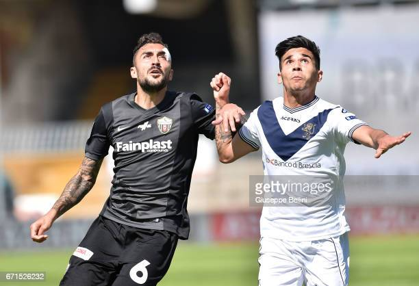 Tommaso Bianchi of Ascoli Picchio 1898 FC and Giovanni Crociata of Brescia Calcio in action during the Serie B match between Ascoli Picchio 1898 FC...
