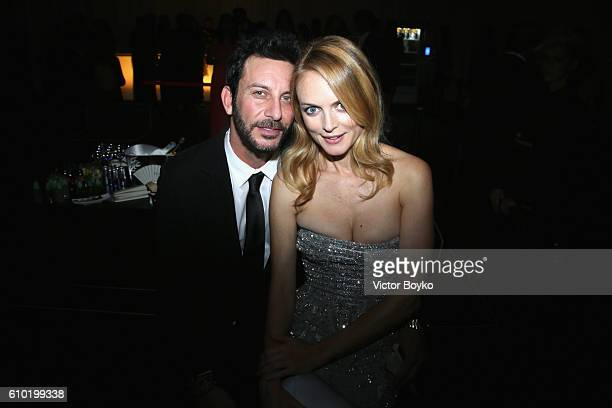 Tommy Alastra and Heather Graham attend the dinner of amfAR Milano 2016 at La Permanente on September 24 2016 in Milan Italy