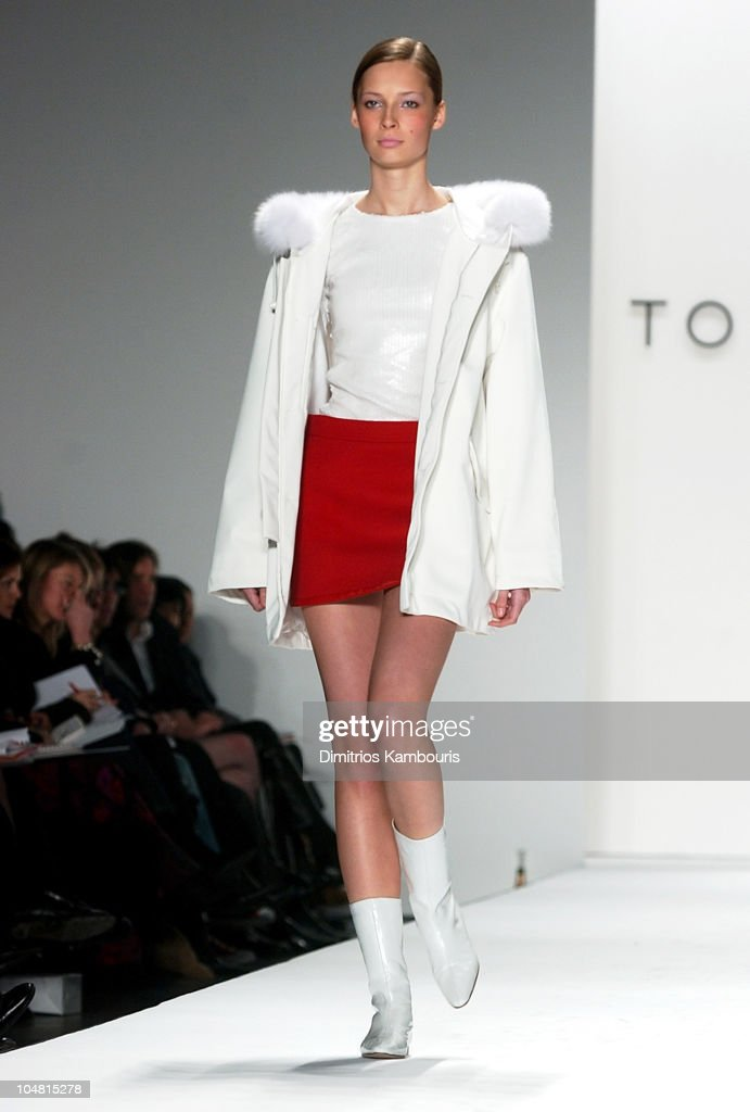 mercedes benz fashion week fall 2003 collections tommy. Black Bedroom Furniture Sets. Home Design Ideas