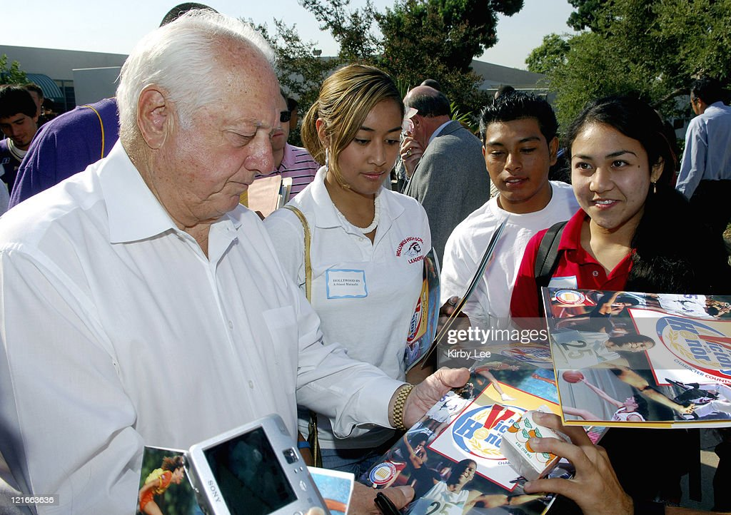 Tommy Lasorda signs autographs for high school students at the Los Angeles Unified School District Student Athletic Leadership Conference at East Los...