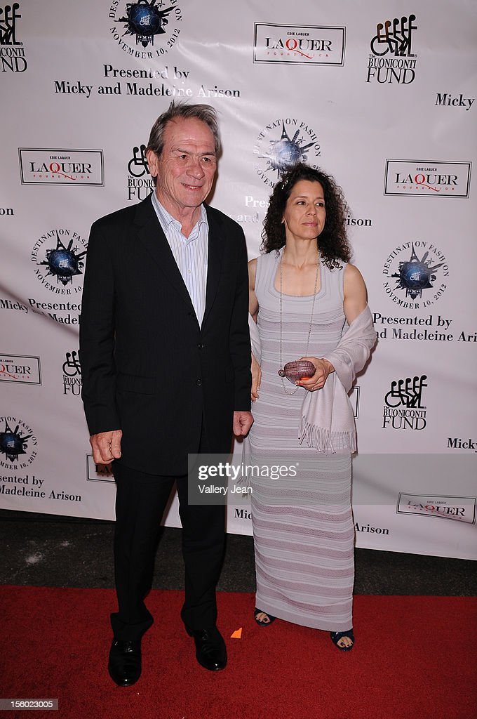 <a gi-track='captionPersonalityLinkClicked' href=/galleries/search?phrase=Tommy+Lee+Jones&family=editorial&specificpeople=204174 ng-click='$event.stopPropagation()'>Tommy Lee Jones</a> and wife Dawn Laurel Jones attend Buoniconti Fund to Cure Paralysis' Destination Fashion 2012 at Bal Harbour Shops on November 10, 2012 in Miami, Florida.