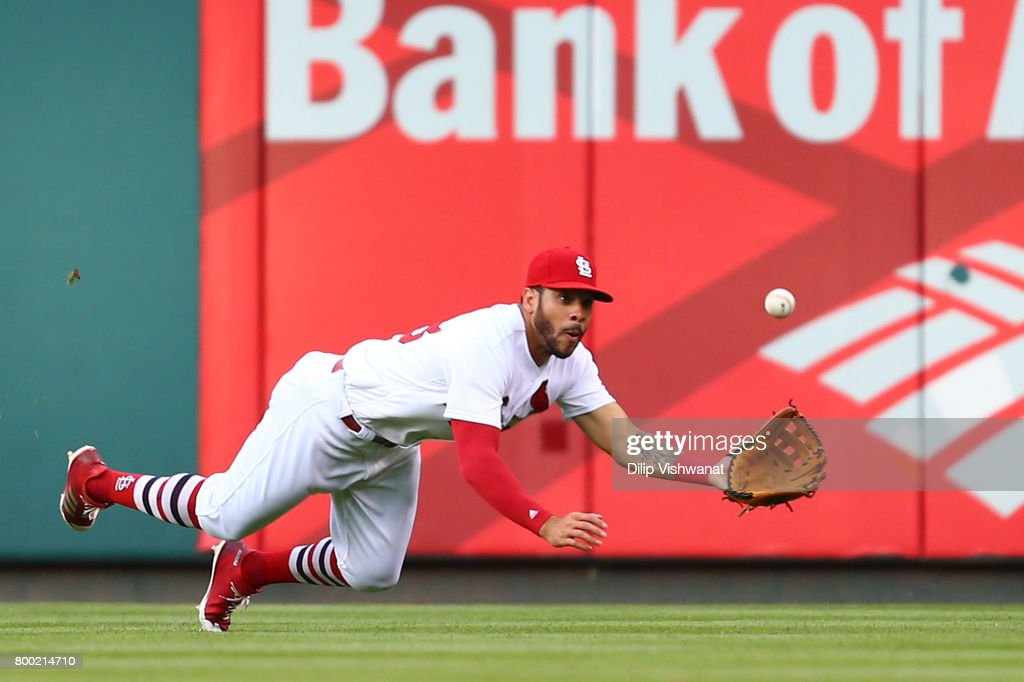 Tommy Pham #28 of the St. Louis Cardinals catches aline drive against the Pittsburgh Pirates in the second inning at Busch Stadium on June 23, 2017 in St. Louis, Missouri.