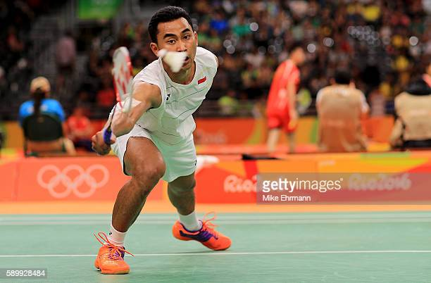 Tommy Sugiarto of Indonesia plays a match against Rajiv Ouseph of Great Britain on Day 10 of the 2016 Rio Olympics at Riocentro Pavillion on August...