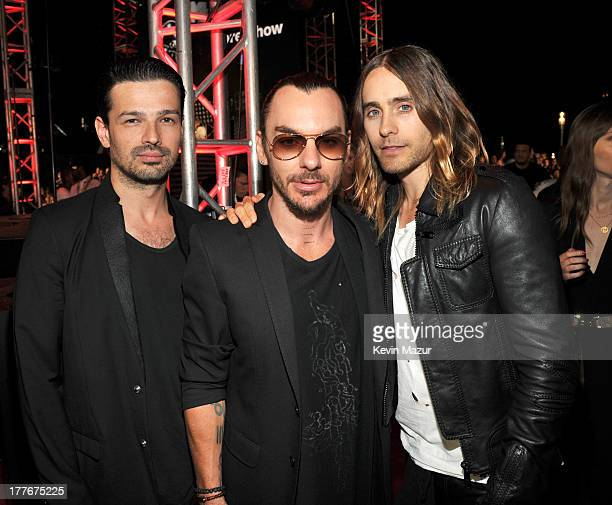 Tomo Milicevic Shannon Leto Jared Leto attend the 2013 MTV Video Music Awards at the Barclays Center on August 25 2013 in the Brooklyn borough of New...
