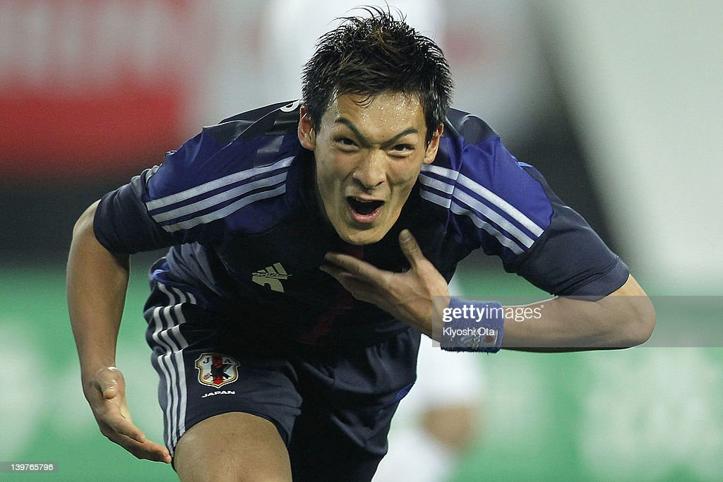 <a gi-track='captionPersonalityLinkClicked' href=/galleries/search?phrase=Tomoaki+Makino&family=editorial&specificpeople=775804 ng-click='$event.stopPropagation()'>Tomoaki Makino</a> of Japan celebrates his goal against Iceland during the Kirin Challenge Cup international friendly match between Japan and Iceland at Nagai Stadium on February 24, 2012 in Osaka, Japan.