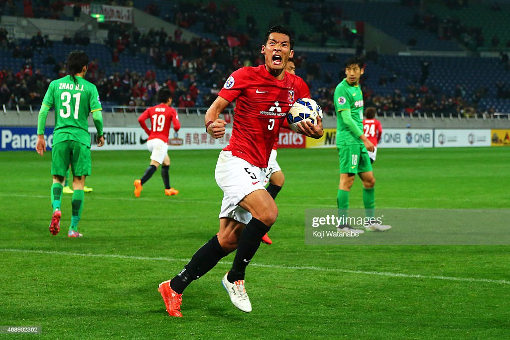 <a gi-track='captionPersonalityLinkClicked' href=/galleries/search?phrase=Tomoaki+Makino&family=editorial&specificpeople=775804 ng-click='$event.stopPropagation()'>Tomoaki Makino</a> of Urawa Reds celebrates scoring his team's goal during the AFC Champions League Group G match between Urawa Red Diamonds and Beijing Guoan at Saitama Stadium on April 8, 2015 in Saitama, Japan.