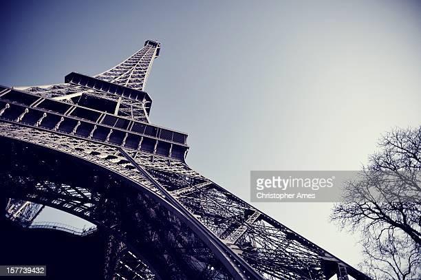 Image teintée de la Tour Eiffel à Paris