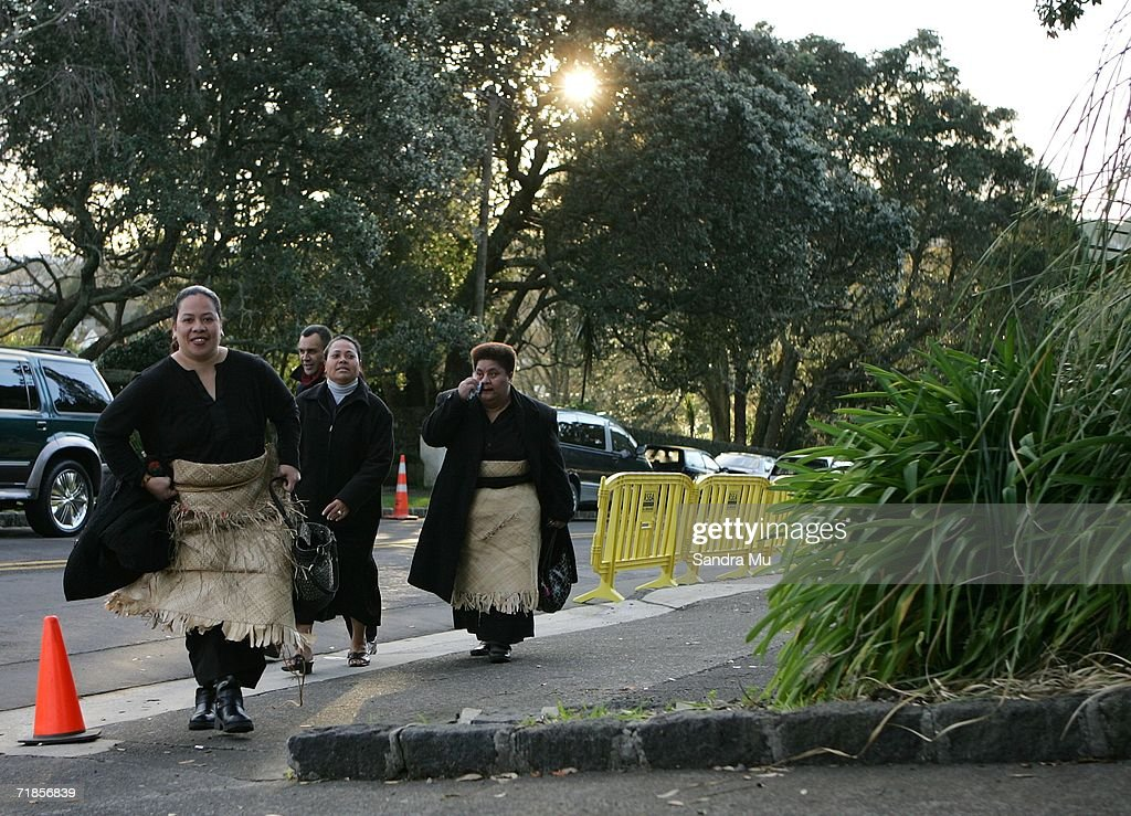 Tongan mourners arrive at the Royal premises to pay their respects to the Late King of Tonga, Taufa'ahau Tupou IV in Epson, September 12, 2006 in Auckland, New Zealand. The body of the Late King will lie in state at his Auckland residence Atalanga before flying back to Tonga tomorrow for a state funeral.