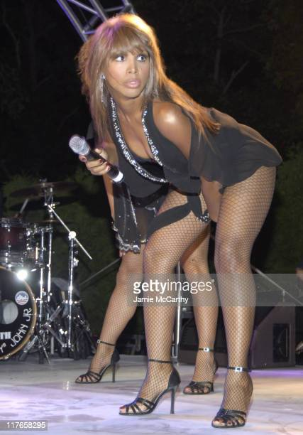 Toni Braxton during Crest Whitestrips Hosts 'Music of Love' Benefiting VH1 Save The Music Foundation at The Estate of Jaci and Morris Ried in...