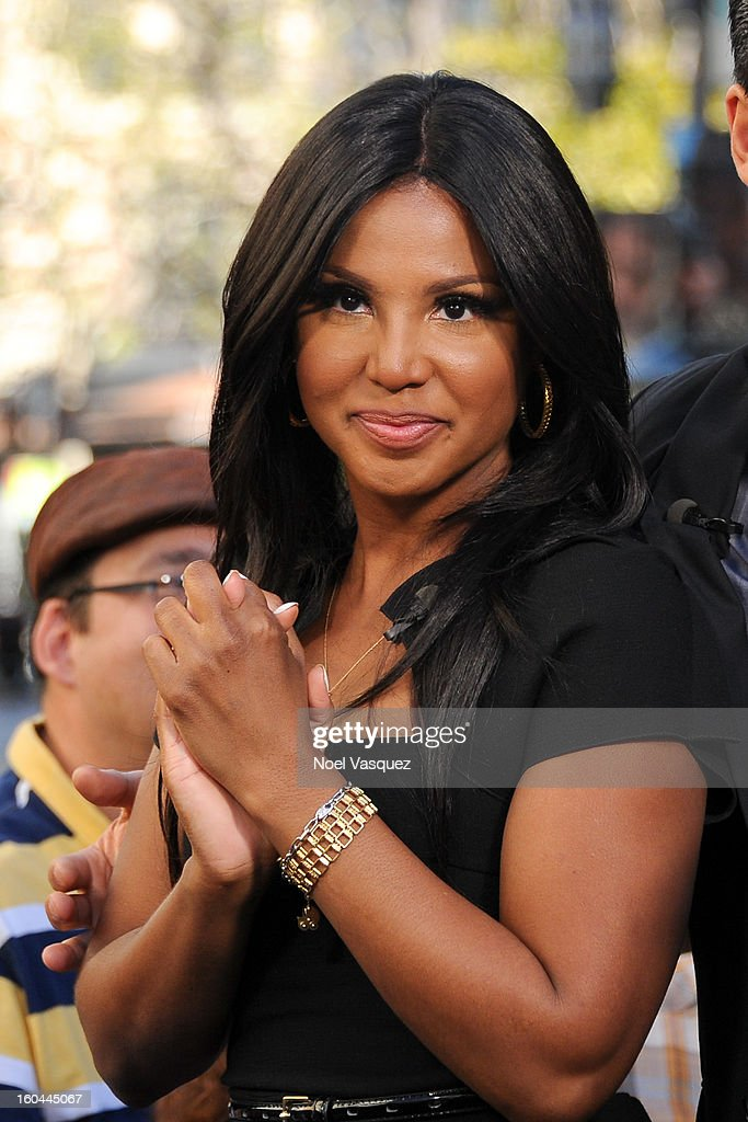 <a gi-track='captionPersonalityLinkClicked' href=/galleries/search?phrase=Toni+Braxton&family=editorial&specificpeople=213737 ng-click='$event.stopPropagation()'>Toni Braxton</a> visits Extra at The Grove on January 31, 2013 in Los Angeles, California.