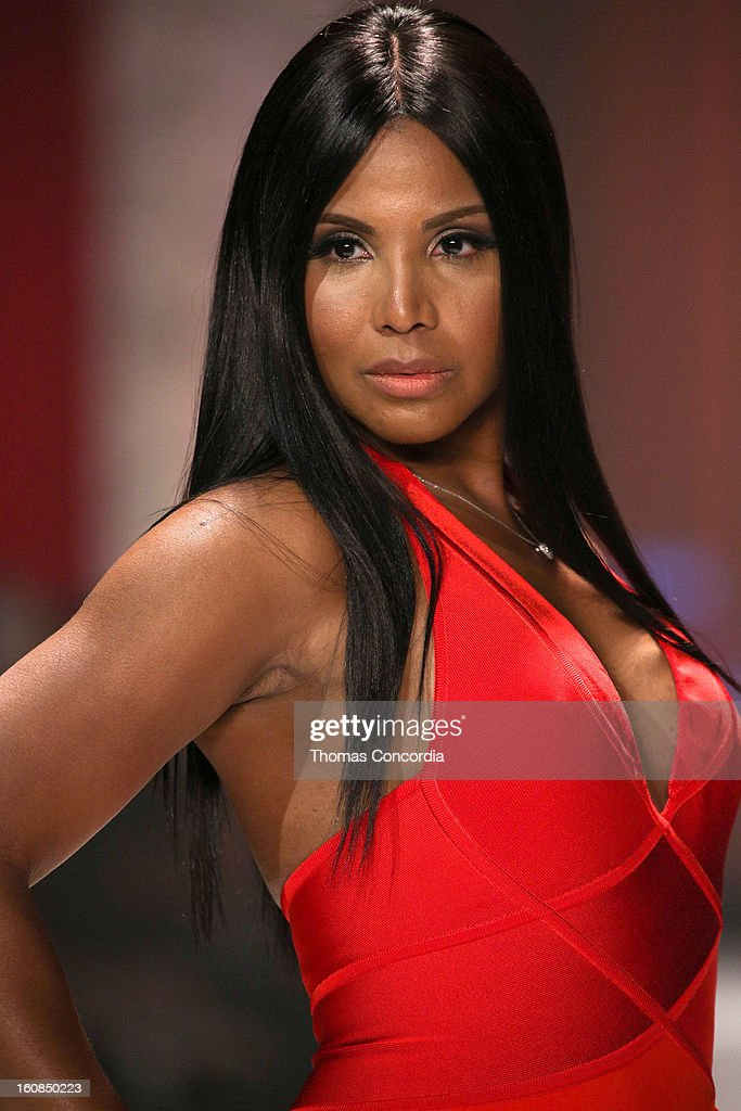 <a gi-track='captionPersonalityLinkClicked' href=/galleries/search?phrase=Toni+Braxton&family=editorial&specificpeople=213737 ng-click='$event.stopPropagation()'>Toni Braxton</a> wearing Herve L. Leroux walks the runway at The Heart Truth's Red Dress Collection during Fall 2013 Mercedes-Benz Fashion Week at Hammerstein Ballroom on February 6, 2013 in New York City.