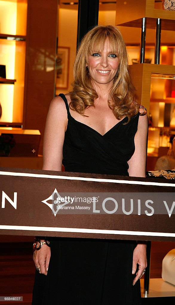 Toni Collette arrives for the official opening of the new Louis Vuitton store at the Chadstone Shopping Centre on November 24, 2009 in Melbourne, Australia.