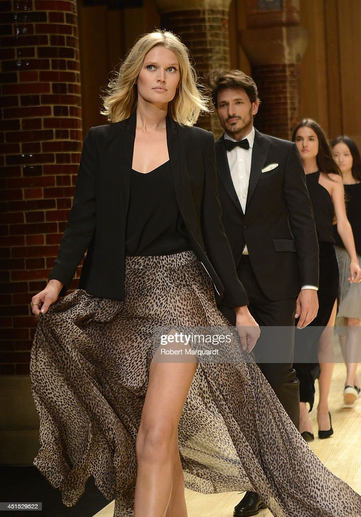<a gi-track='captionPersonalityLinkClicked' href=/galleries/search?phrase=Toni+Garrn&family=editorial&specificpeople=4425236 ng-click='$event.stopPropagation()'>Toni Garrn</a> walks the runway for 'Mango' at 080 Barcelona Fashion Week on June 30, 2014 in Barcelona, Spain.