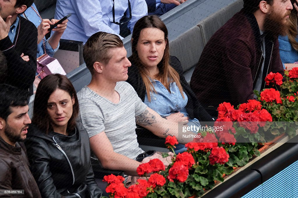 <a gi-track='captionPersonalityLinkClicked' href=/galleries/search?phrase=Toni+Kroos&family=editorial&specificpeople=638597 ng-click='$event.stopPropagation()'>Toni Kroos</a> and his wife Jessica Farber, attend the Mutua Madrid Open tennis tournament at the Caja Magica on May 05, 2016 in Madrid, Spain.