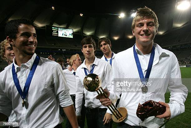 Toni Kroos celebrates with his team mates during a ceremony after the FIFA U17 World Cup at the Sangam World Cup Stadium on September 9 2007 in Seoul...