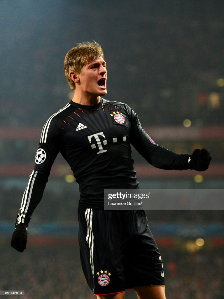 <a gi-track='captionPersonalityLinkClicked' href=/galleries/search?phrase=Toni+Kroos&family=editorial&specificpeople=638597 ng-click='$event.stopPropagation()'>Toni Kroos</a> of Bayern Muenchen celebrates after scoring the opening goal during the UEFA Champions League round of 16 first leg match between Arsenal and Bayern Muenchen at Emirates Stadium on February 19, 2013 in London, England.