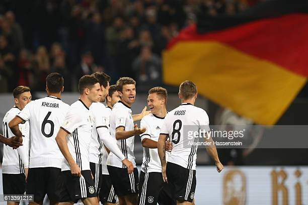 Toni Kroos of Germany celebrates scoring the 2nd goal with his team mates during the 2018 FIFA World Cup Qualifier match between Germany and Czech...