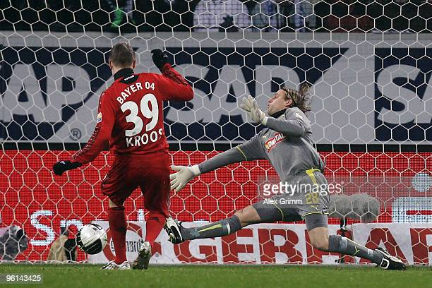 Toni Kroos of Leverkusen scores his team's second goal against goalkeeper Timo Hildebrand of Hoffenheim during the Bundesliga match between 1899...
