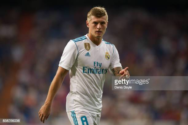 Toni Kroos of Real Madrid CF looks on during the Santiago Bernabeu Trophy match between Real Madrid CF and ACF Fiorentina at Estadio Santiago...
