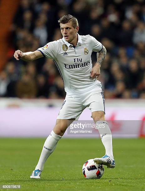 Toni Kroos of Real Madrid in action during the Copa del Rey round of 16 first leg match between Real Madrid CF and Sevilla at Estadio Santiago...