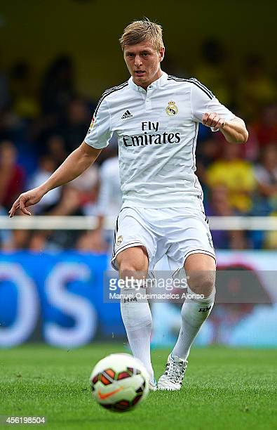Toni Kroos of Real Madrid in action during the La Liga match between Villarreal CF and Real Madrid at El Madrigal on September 27 2014 in Villarreal...