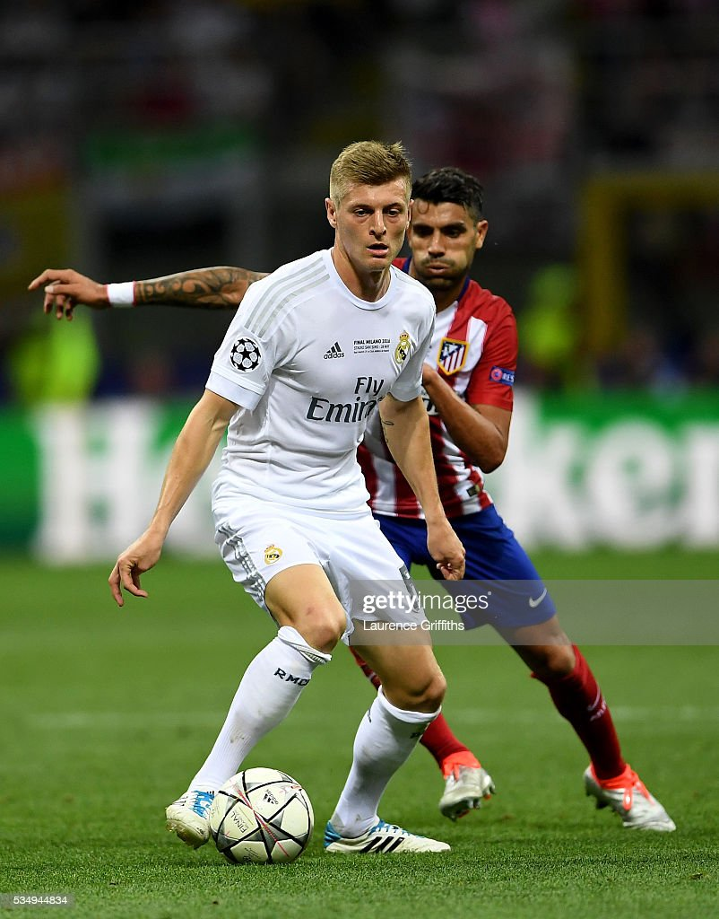 <a gi-track='captionPersonalityLinkClicked' href=/galleries/search?phrase=Toni+Kroos&family=editorial&specificpeople=638597 ng-click='$event.stopPropagation()'>Toni Kroos</a> of Real Madrid in action during the UEFA Champions League Final match between Real Madrid and Club Atletico de Madrid at Stadio Giuseppe Meazza on May 28, 2016 in Milan, Italy.