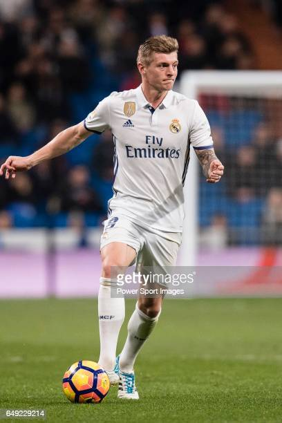 Toni Kroos of Real Madrid in action during their La Liga match between Real Madrid vs Las Palmas at the Santiago Bernabeu Stadium on 01 March 2017 in...
