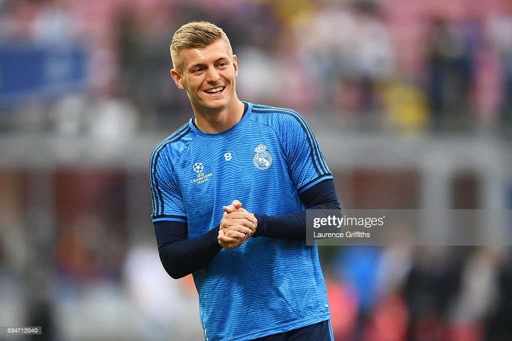 <a gi-track='captionPersonalityLinkClicked' href=/galleries/search?phrase=Toni+Kroos&family=editorial&specificpeople=638597 ng-click='$event.stopPropagation()'>Toni Kroos</a> of Real Madrid looks on during a Real Madrid training session on the eve of the UEFA Champions League Final against Atletico de Madrid at Stadio Giuseppe Meazza on May 27, 2016 in Milan, Italy.