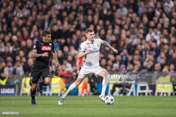 Toni Kroos of Real Madrid runs with the ball during the match Real Madrid vs Napoli part of the 201617 UEFA Champions League Round of 16 at the...